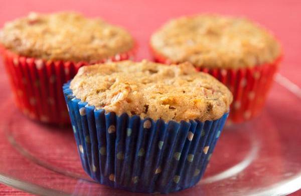 Rhubarb walnut muffins recipe