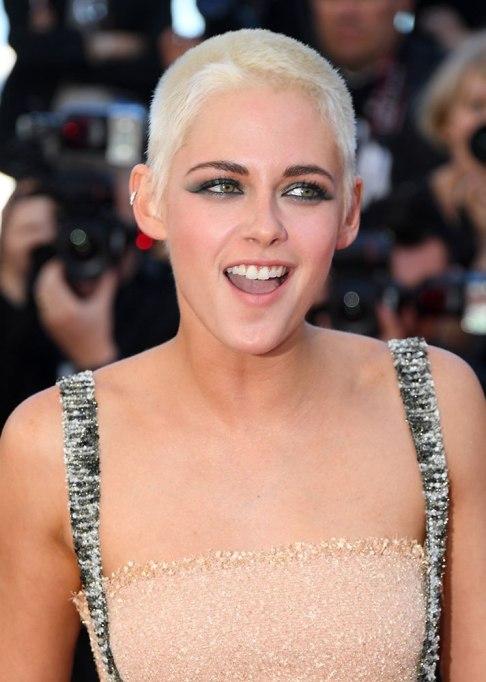 Best Celebrity Hair Transformations of 2017: Kristen Stewart's platinum blonde do