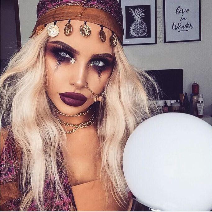 DIY Halloween Costume Ideas from Instagram: Fortune Teller | Halloween 2017