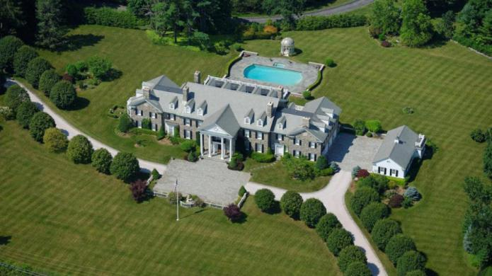 11 Gorgeous U.S. mansions that could