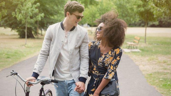 24 Romantic, Unforgettable Date Ideas for
