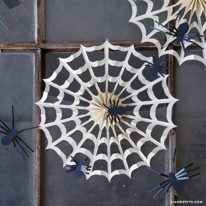 7 Super-Easy (Yet Totally Adorable) Halloween Crafts: Paper Spider Web