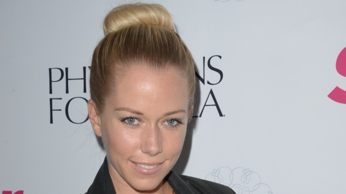 Kendra Wilkinson makes a disgusting sexual