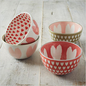 Heart printed bowls | Sheknows.ca