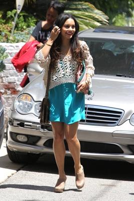 Summer casual -- Vanessa Hudgens