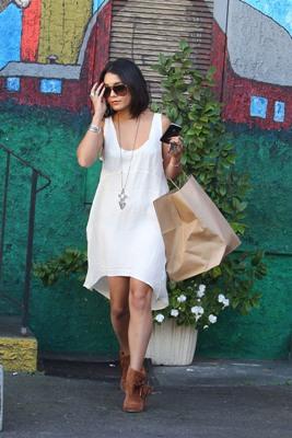 Vanessa Hudgens -- Classy chic