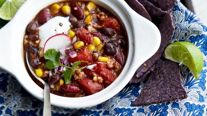 One-Pot Wonder: Steel-cut oat bean chili