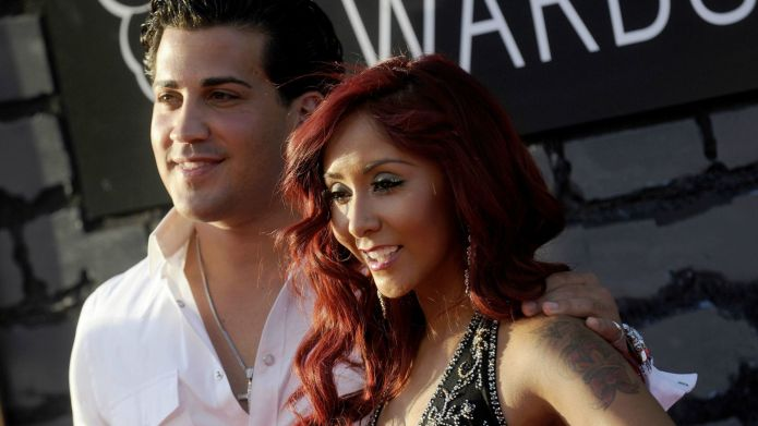 Snooki slams Anna Duggar, but she