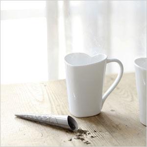 Heart shapped mug and tea defuser