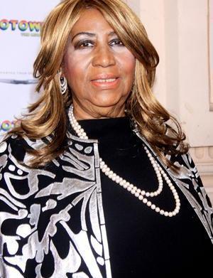 Aretha Franklin backs up Beyoncé's lip-synching