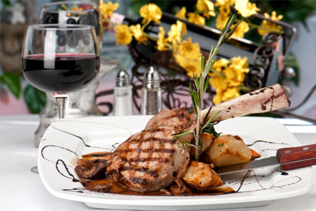 Veal chops with potatoes and red wine