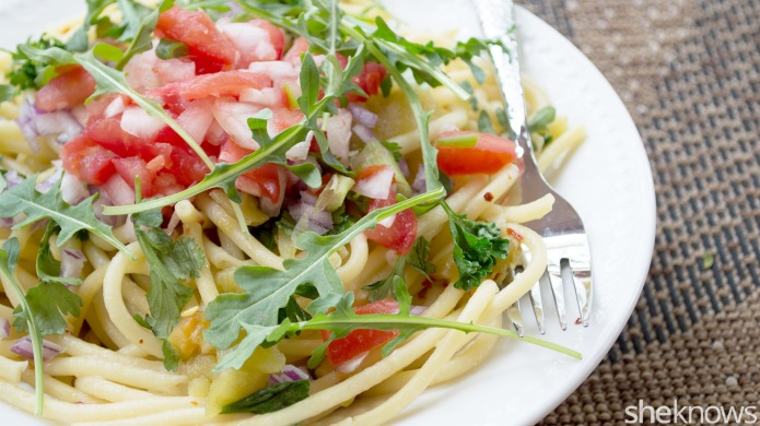 Simple vegan pasta with green chilies