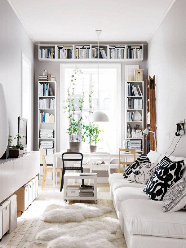 The Best Small Spaces of 2017: Vertical Bookshelves |Home Decor