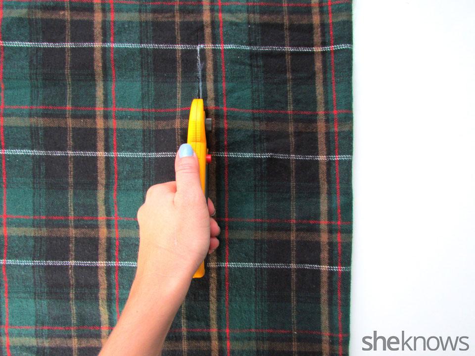 DIY Wrap best | Sheknows.com - cut fabric