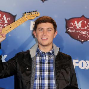 Scotty McCreery robbed at gunpoint in