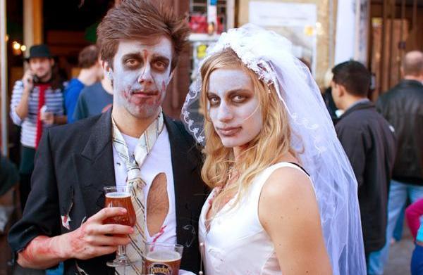 Halloween hookups: Costumes men and women