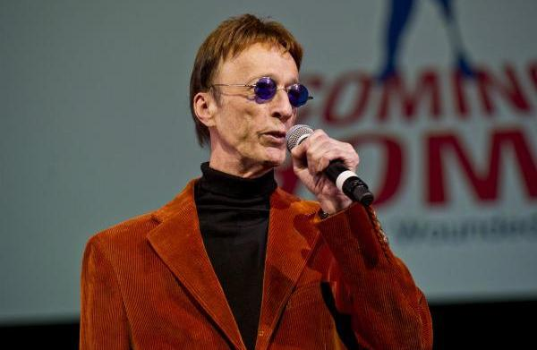 Robin Gibb out of coma and