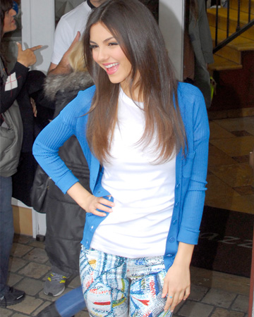 Victoria Justice wearing patterned jeans