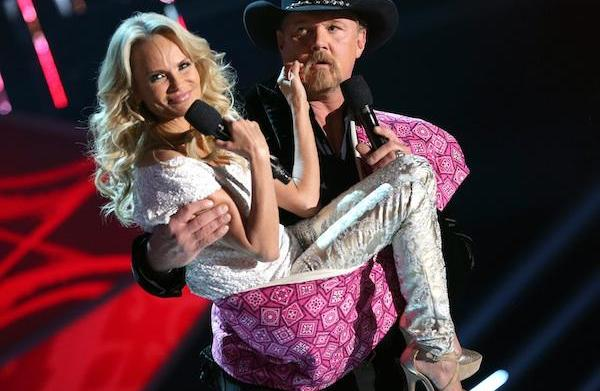 Kristin Chenoweth & hot country boys