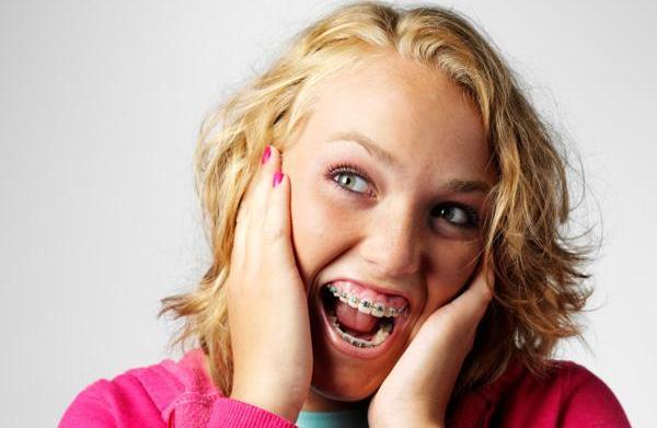Comparing braces & Invisalign
