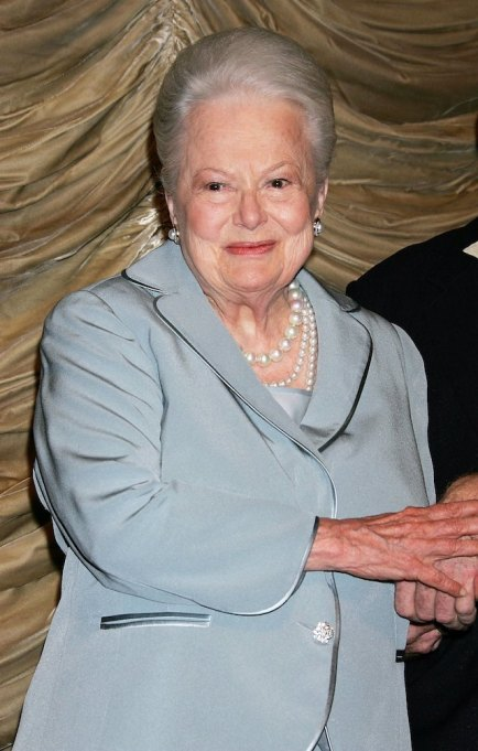 Olivia de Havilland appears on stage prior to the screening of 'The Heiress' in 2006