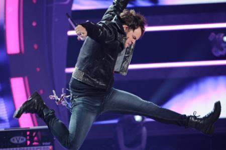 Lady Gaga schools American Idol top
