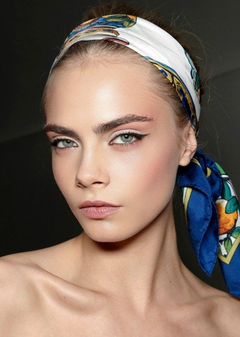 Low-Maintenance Summer Beauty Inspiration Ideas: Cara Delevingne White Eyeshadow | Summer Beauty 2017