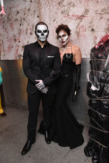 Jennifer Lopez and Casper Smart as skeletons