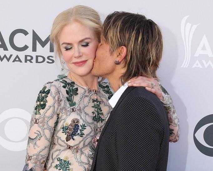 Celeb Couples Who Pack on the PDA: Nicole Kidman & Keith Urban