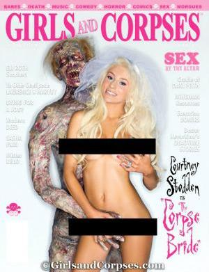 PHOTO: Courtney Stodden nude and cozy