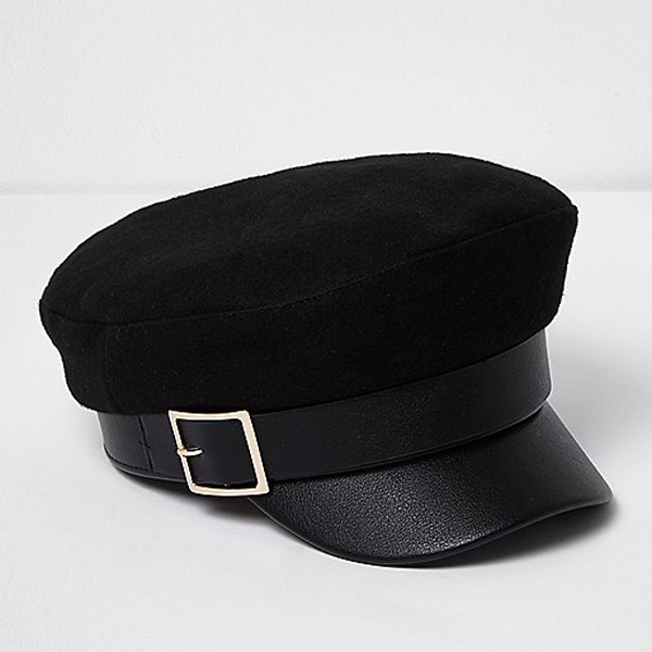 Must-Have Fall Hats: Black Gold Buckle Baker Boy Hat | Fall Fashion Trends