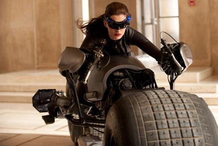 Celebody: Get Anne Hathaway's Catwoman curves