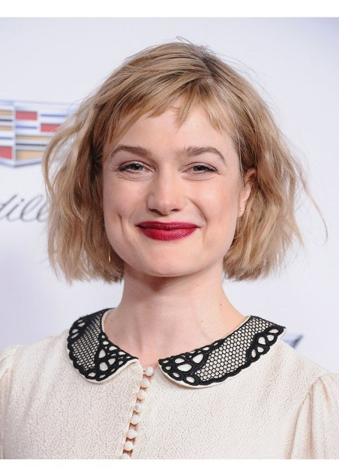 Celebrities Who Nailed Baby Bangs | Alison Sudol