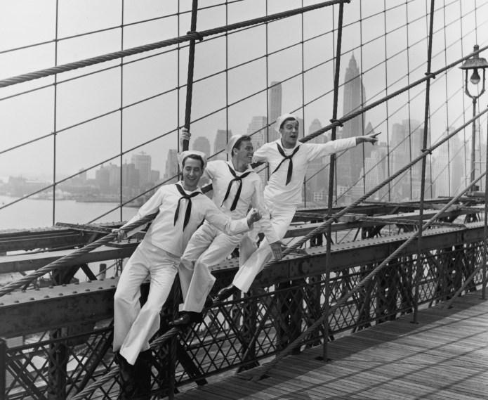 1949: L-R: American actors Jules Munshin,