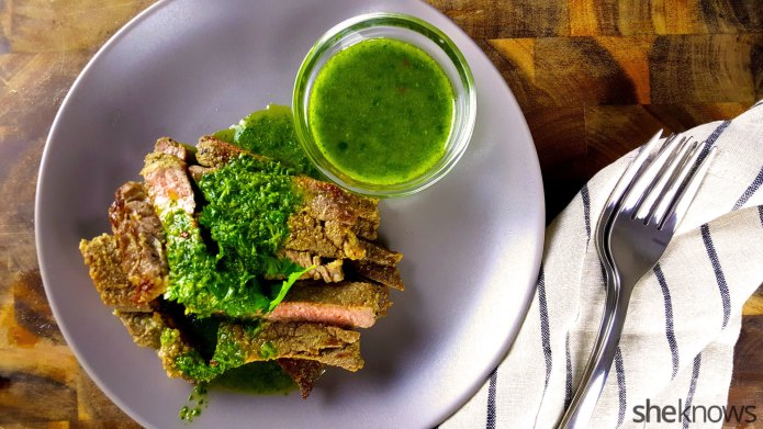 How to make steak with chimichurri