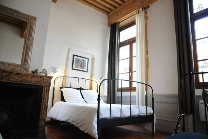 Last-Minute Valentine's Day Getaway on AirBnb: Cozy Studio in Lyon, France