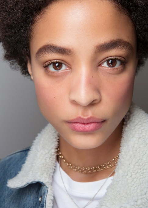 Summer Beauty Ideas For When It's Crazy-Hot | Pink cheeks