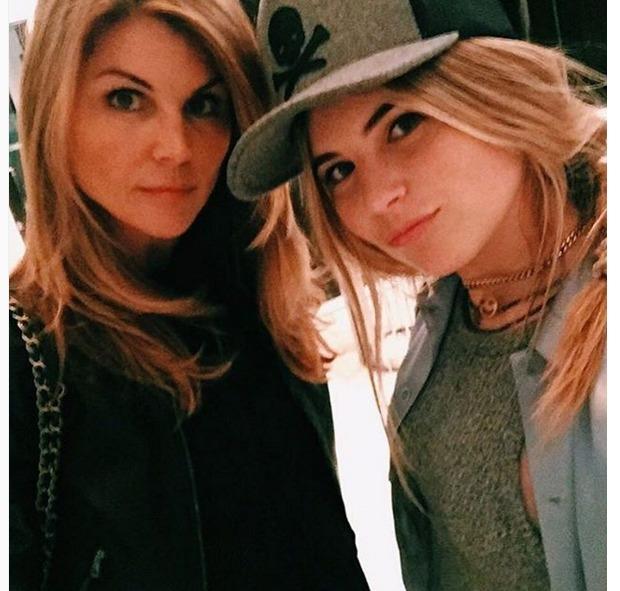 Lori Loughlin and her daughter Bella Giannulli