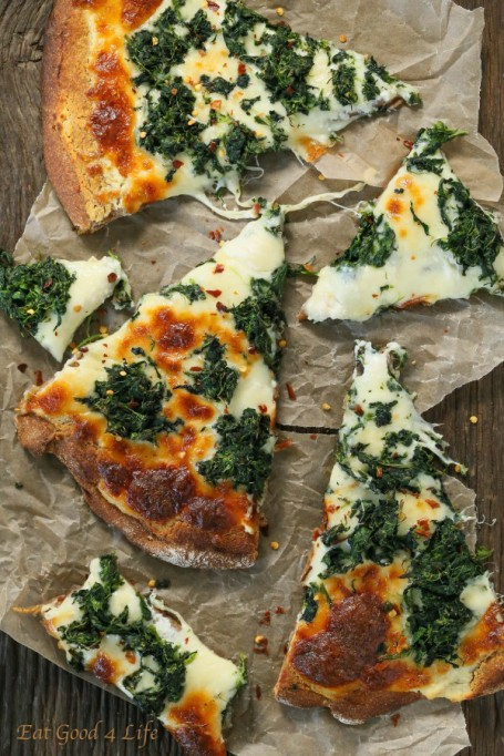 Healthy Pizza Recipes to Get Hooked On | Roasted Garlic Spinach White Pizza