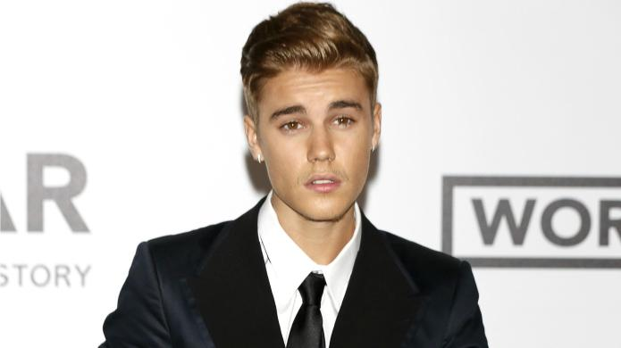Biebs posts pic of Selena Gomez