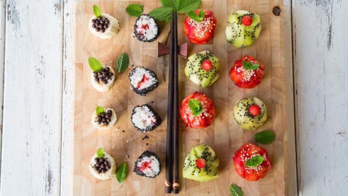 How to Make Gorgeous Fruit Sushi