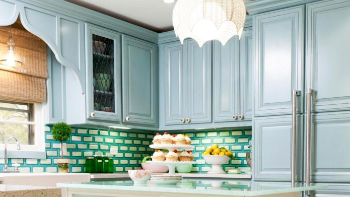 18 Colorful Spring Kitchens for Inspiration