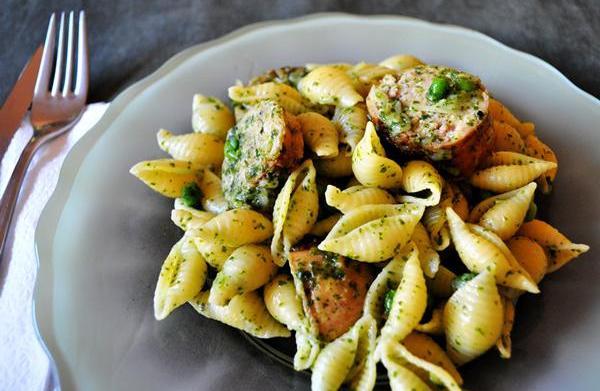 Tonight's Dinner: Pesto Shells and Sausage