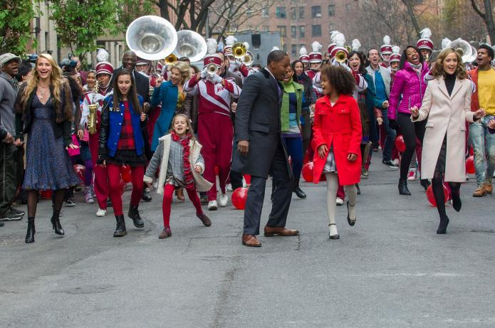 Watch New Yorkers belt out Annie's