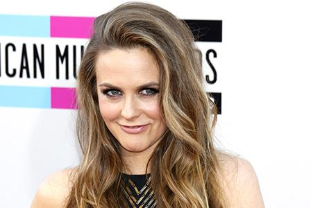 Alicia Silverstone joins the Mommalogues