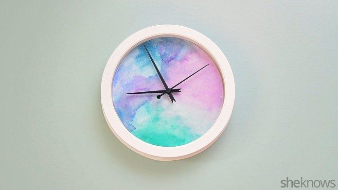 Paint a pretty watercolor clock