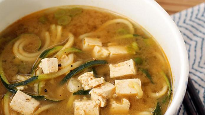 Jazz up miso soup with green