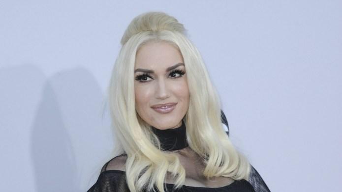 Gwen Stefani interacts with Miranda Lambert