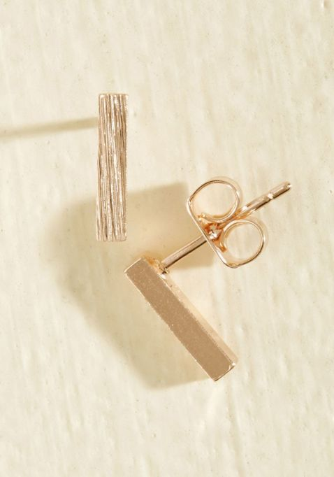 Gorgeous Jewelry Finds That Look Expensive: Minimalist Quintessence Earrings in Rose Gold | Inexpensive Jewelry Trends