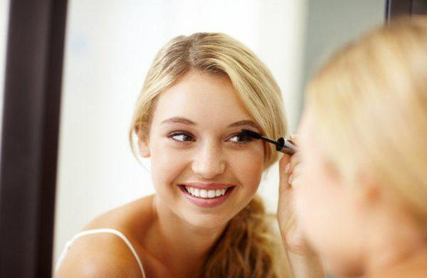 Tips for darkening blond brows and